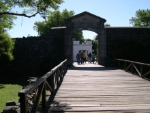 puerta de la ciudadela-colonia 2